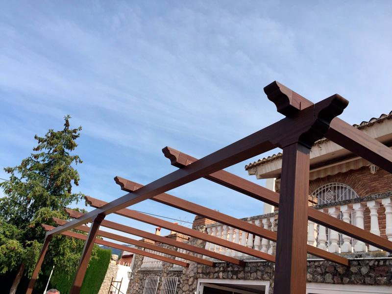 P rgola de aluminio toldos y persianas alhambra granada Pergolas imitacion madera