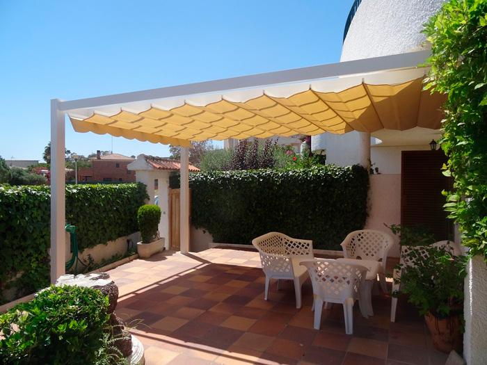 P rgolas de aluminio toldos y persianas alhambra granada - Pergolas de aluminio para jardin ...